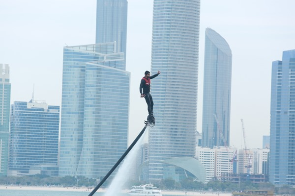 PRESSURE ON ALMARZOOQI IN UAE FLYBOARD CHAMPIONSHIP