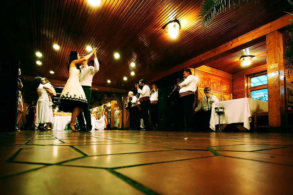 Wedding dance: Recommendations for dance production and why you should not create it on your own