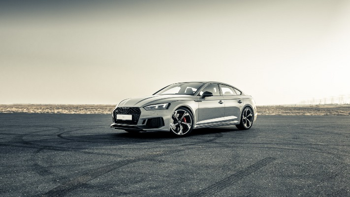 Audi wins both nominated categories at the Middle East Car of the Year Awards